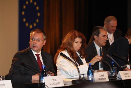 Откажете се от мандата, призова Станишев ГЕРБ