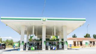 Петролният гигант BP надхвърли очакванията за печалба въпреки по-ниските цени на суровината