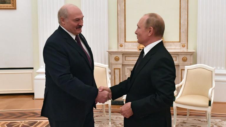 Разширяването на НАТО в Украйна преминавало червена линия за Путин