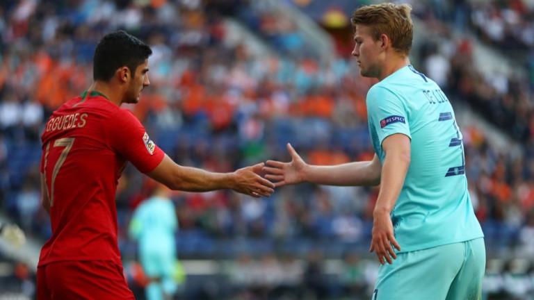 Роналдо поканил Де Лихт в Ювентус