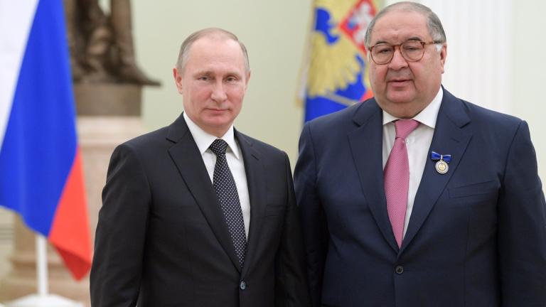 Един от най-богатите мъже в Русия, Алишер Усманов, е прехвърлил
