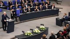 """Президентът на Германия зове за """"демократичен патриотизъм"""""""