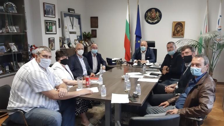 Министър Кралев утвърди указанията за прилагане на противоепидемични мерки в закрити спортни обекти