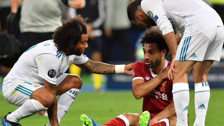 Огромна паника завладя египетските фенове часове, след като техният футболен