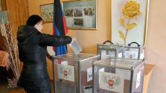 Действащите проруски лидери в Луганск и Донецк печелят местния вот