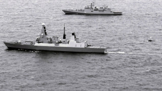 Британски военен кораб задържа наркотици за $4 млн. в Оманския залив