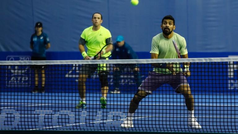Скот Липски и Дивиж Шаран ще играят в съботния полуфинал на двойки на Sofia Open