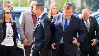 Джамбазки да си носи последствията, отсече Каракачанов