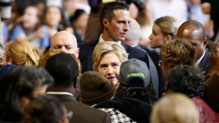 """""""Уикилийкс"""" публикува 21-ия пакет от мейли на шефа на кампанията на Клинтън"""