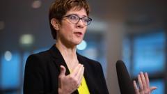 """Наследникът на Меркел се оплака от """"похода"""" срещу дизела"""