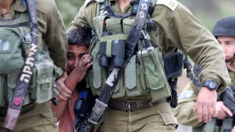 81 палестинци са пострадали при сблъсъци на Западния бряг