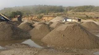 Обвиниха мъж за незаконен добив на инертни материали в Петричко