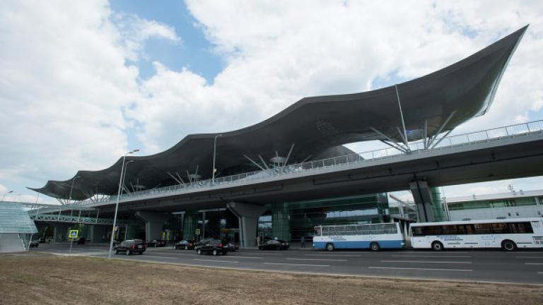 Украйна забрани транзитните полети на Русия над своя територия