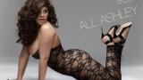 Пищната Ашли Греъм грее в гола фотосесия (СНИМКИ)