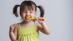Д-р Ибришимов: Не плашете децата със зъболекарите