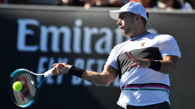 Борна Чорич продължава в осминафиналната фаза на Australian Open. В