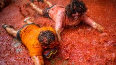 """""""Ла Томатина"""" - най-мръсният фестивал в света (СНИМКИ)"""
