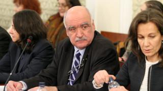 Ананиев търсел помощ от БСП за оставката на Камен Плочев