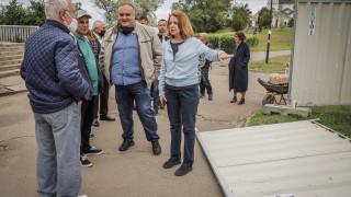 """Фандъкова инспектира изграждането на фитнес на открито в парка в """"Дружба"""""""