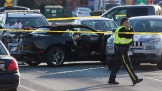 Полицай загина при престрелка в Канада