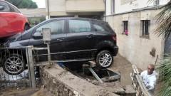 Броят на загиналите при наводненията в Италия достигна 8 души