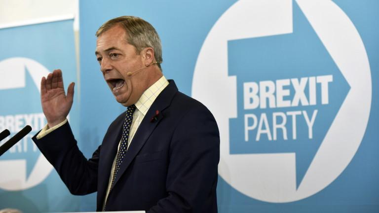 """Партия """"Брекзит"""" възкръсва като партия срещу COVID блокадите"""