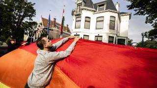 Унгарският закон срещу ЛГБТ ще се прилага и за църквите