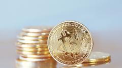 Bitcoin се стабилизира след големия спад
