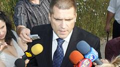 Николай Цонев дава брифинг пред поделението в Челопечене