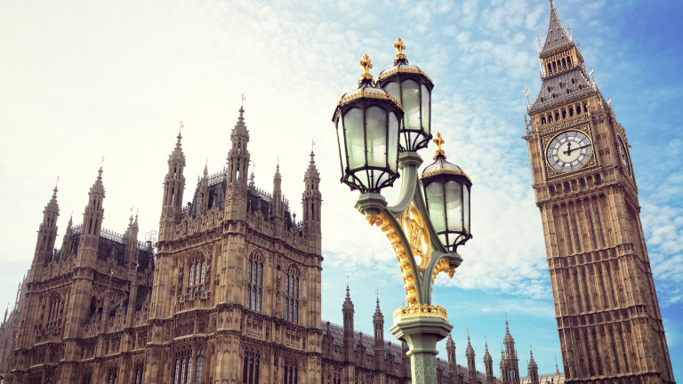 Британският парламент гласува споразумението за Брекзит