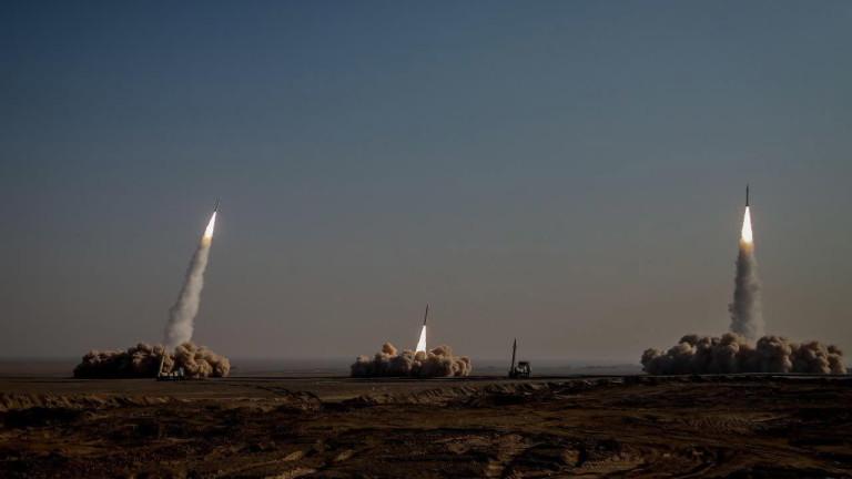 Революционната гвардия на Иран проведе учения с изстрелване на ракети