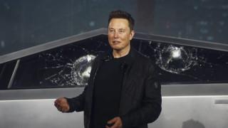 Фиаското, което коства на Илон Мъск почти милиард долара