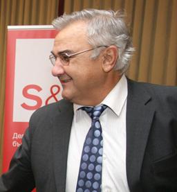 КНСБ предлагат Гарабед Минасян за служебен премиер