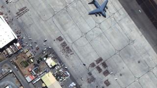 Над 1300 са ранените в Кабул, евакуационните полети са възобновени