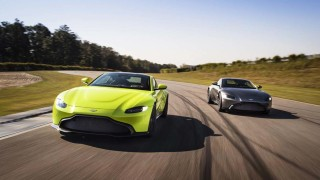 Акциите на Aston Martin се сринаха до ново дъно