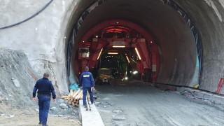 """Отричат за срутване, но има инцидент в тунел """"Железница"""""""