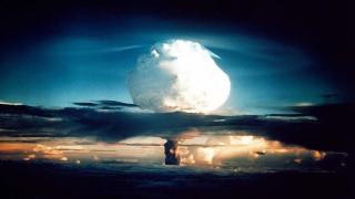 Какво да направите, ако атомна бомба избухне в близост до вас?