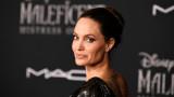Анджелина Джоли, семейният й дом и как е изглеждала самоизолацията с децата