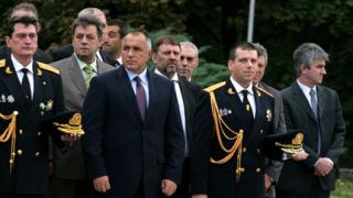 Борисов обеща 6 нови пожарни коли за огнеборците
