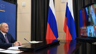 """Путин е съгласен с Моди, че светът е едно семейство, но """"във всяко стадо има мърша"""""""