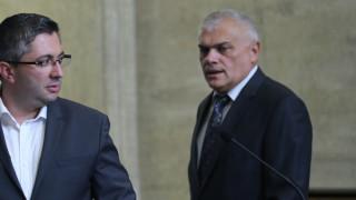 Валентин Радев: Подаваме оставки, защото така се прави
