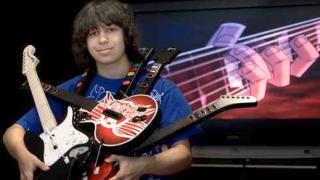 Момче напусна училище за да се посвети изцяло на Guitar Hero