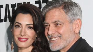 Семейство Клуни ни кани на гости