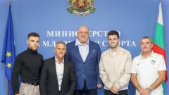 Министър Кралев се срещна с националите по спортна гимнастика