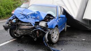 Камион и кола се удариха в Кресненското дефиле