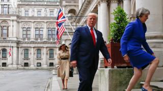 Тереза Мей разкритикува остро Тръмп за атаката му срещу демократките от Конгреса на САЩ