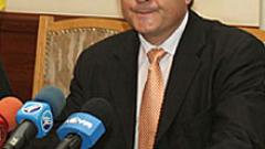Свинаров: Нормално е премиерът да отрича за промени в кабинета