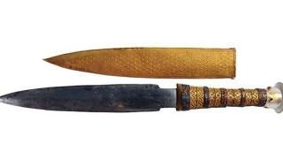 Кинжалът на Тутанкамон е изработен от извънземно желязо