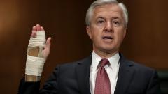 Шефът на Wells Fargo подаде оставка след грандиозен скандал
