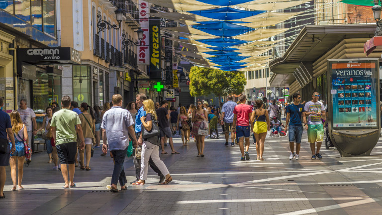 Испания отчете най-големия месечен скок на безработицата в историята си